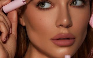 Чем лучше красить брови краской или хной